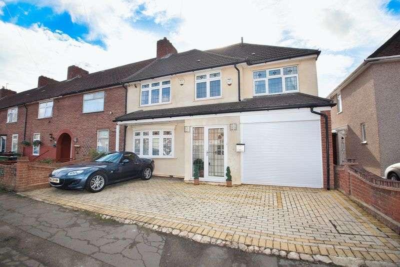 4 Bedrooms Semi Detached House for sale in Marlborough Road, Dagenham, Greater London