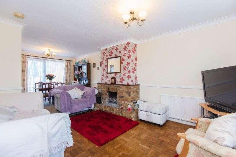 3 Bedrooms Terraced House for sale in Hollybush Lane, Tatling End, Denham