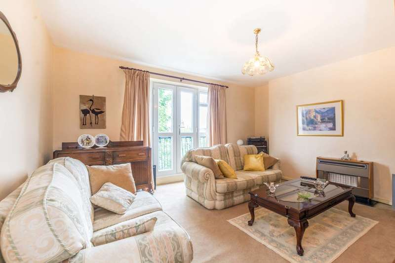 3 Bedrooms Flat for sale in Bethune Road, Stoke Newington, N16