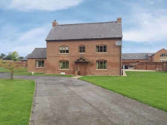 6 Bedrooms Detached House for sale in Wrexham Road, Tarporley, Cheshire, CW6 9RZ