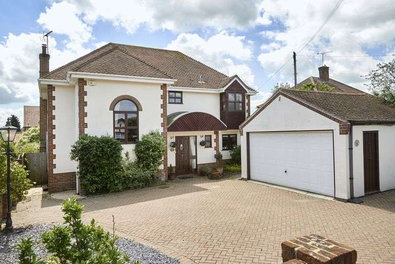 5 Bedrooms Detached House for sale in Yorick Road, West Mersea