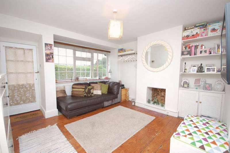 3 Bedrooms Terraced House for sale in Church Lane, Mill End, Rickmansworth, WD3 8PU