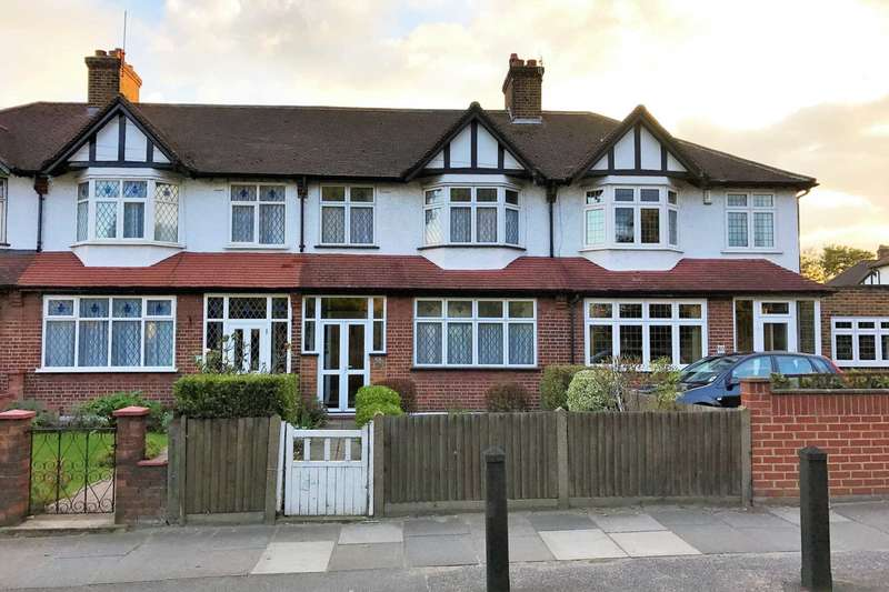 3 Bedrooms Terraced House for sale in Martin Way, Morden
