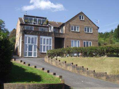 1 Bedroom Flat for sale in Uplyme Road, Lyme Regis, Dorset
