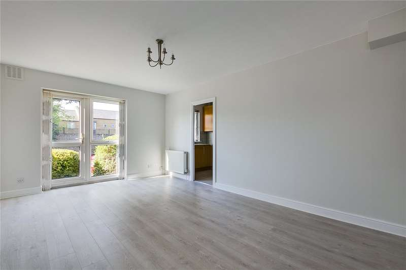 1 Bedroom Ground Flat for sale in St. Gerards Close, London, SW4