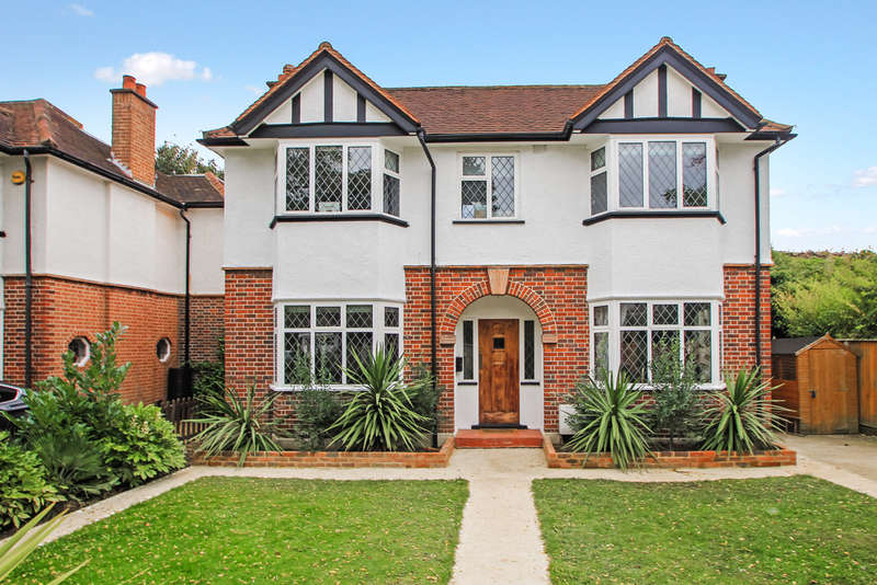4 Bedrooms Detached House for sale in Berrylands, Surbiton
