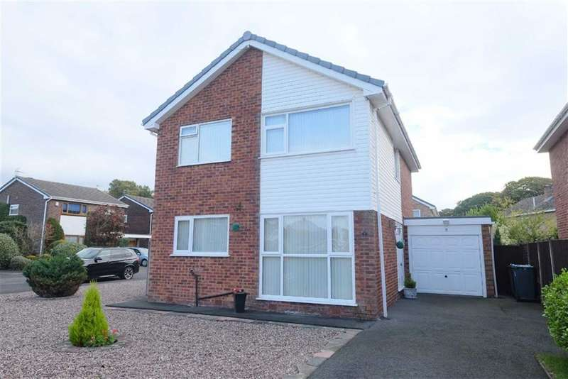 4 Bedrooms Property for sale in Ringwood Close, Lytham