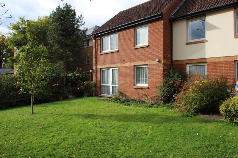1 Bedroom Property for sale in Linkfield Lane, Redhill