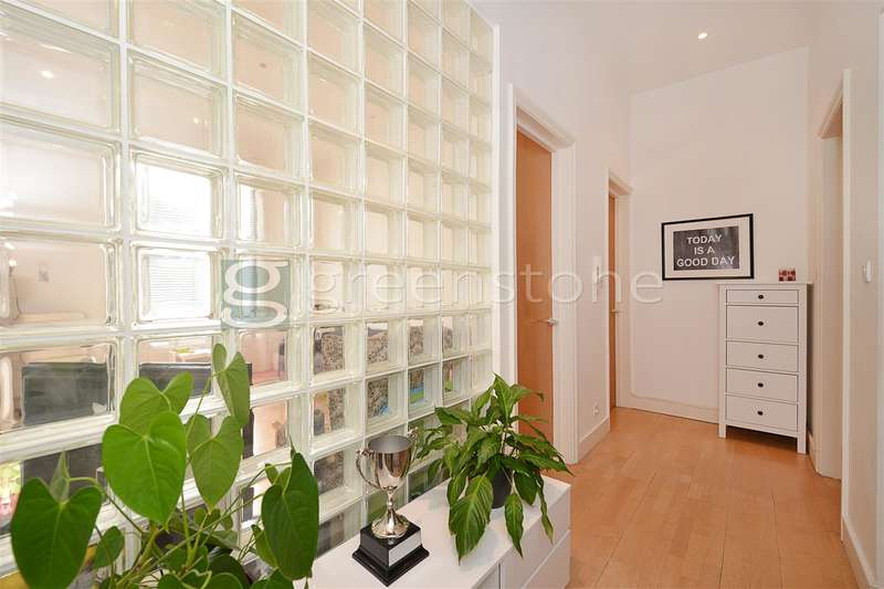 2 Bedrooms Property for sale in Cavendish Road, Brondesbury, London