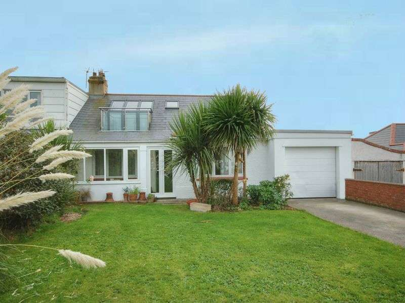 3 Bedrooms Semi Detached House for sale in 18 Craig Yr Eos Road, Ogmore By Sea, CF32 0PG