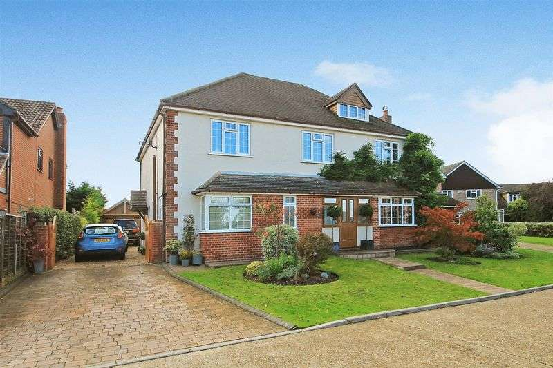 5 Bedrooms Detached House for sale in Ripley Village