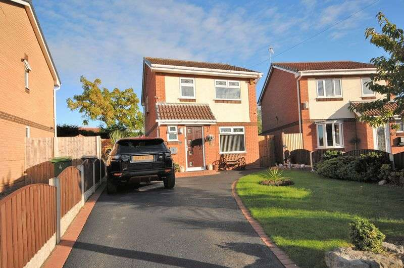3 Bedrooms Detached House for sale in Norwich Drive, Upton