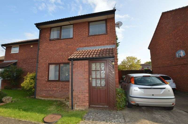 3 Bedrooms Semi Detached House for sale in Hedgelands, Peterborough