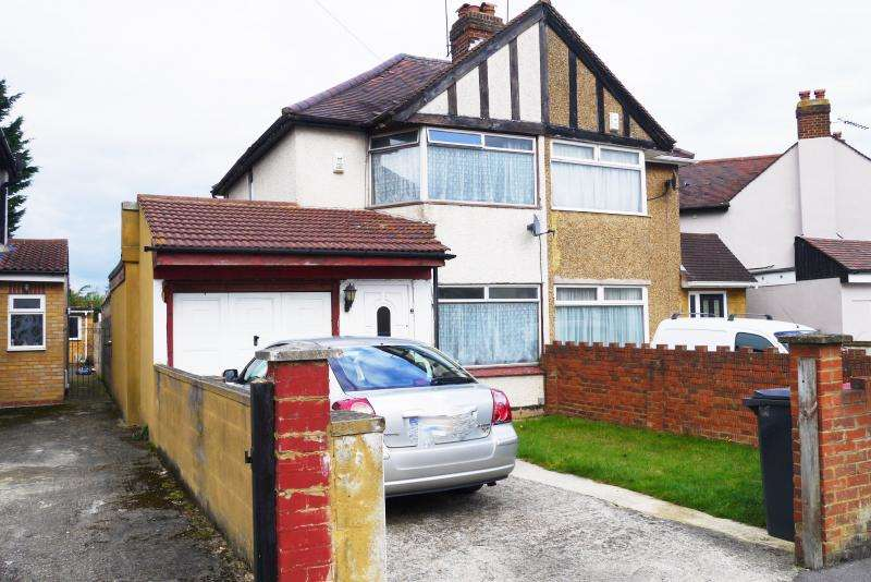 3 Bedrooms Semi Detached House for sale in Thurston Road