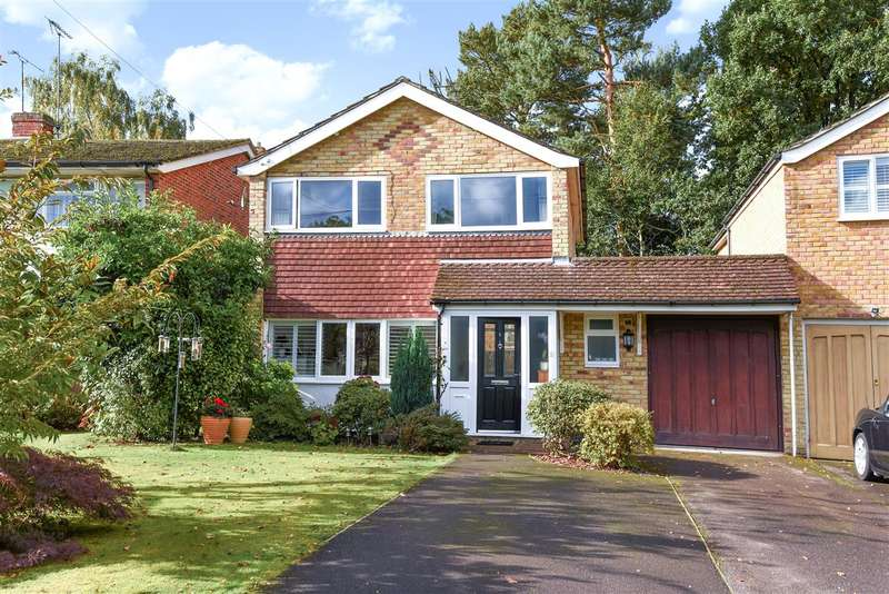 3 Bedrooms Detached House for sale in Westbury Close, Crowthorne