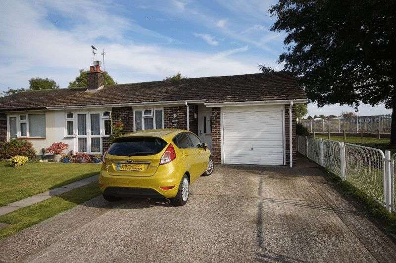 2 Bedrooms Semi Detached Bungalow for sale in Karen Avenue, Drayton, Portsmouth, PO6