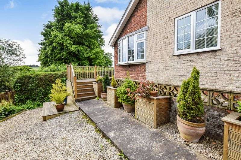 3 Bedrooms Detached Bungalow for sale in Occupation Road, Parkgate
