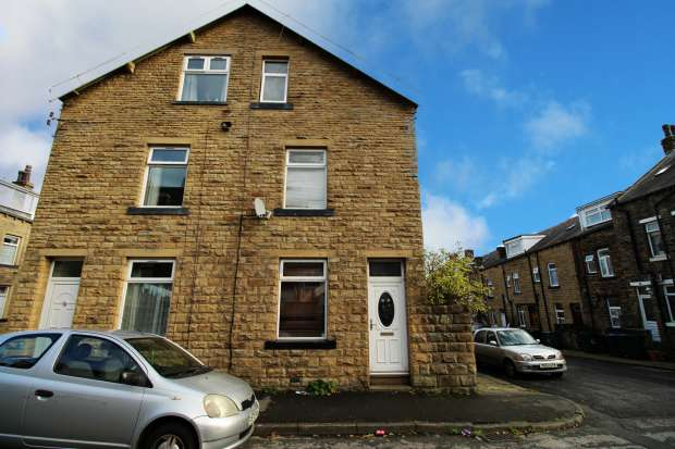 3 Bedrooms Property for sale in Lister Street, Keighley, West Yorkshire, BD21 1HR