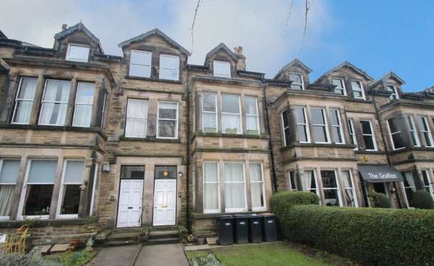 2 Bedrooms Flat for sale in Franklin Mount- Hazelroyd, Harrogate, North Yorkshire, HG1 5EJ