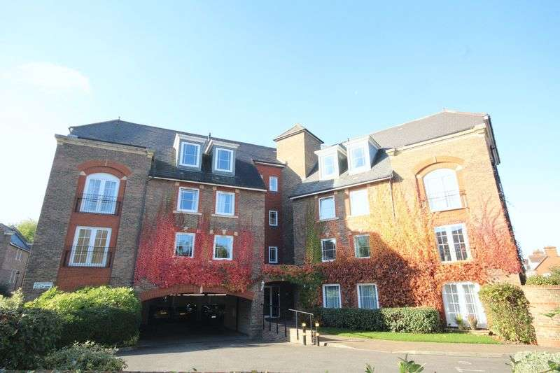 2 Bedrooms Flat for sale in Mortley Close, Central Tombridge