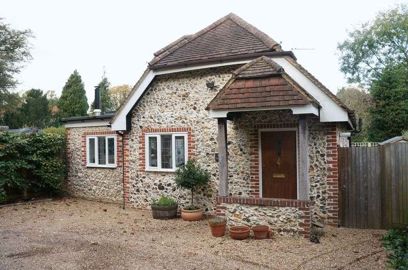 1 Bedroom Detached House for sale in East Horsley