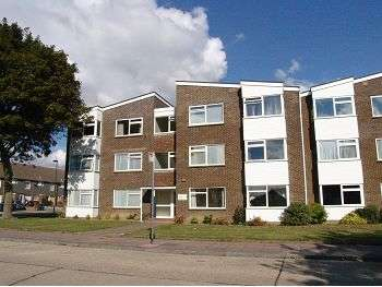 2 Bedrooms Flat for sale in Lincett Court, Lincett Drive, Worthing, BN13