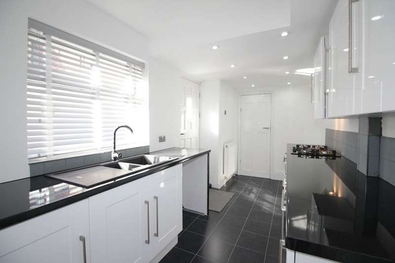 3 Bedrooms Property for sale in General Graham Street, Barnes, Sunderland, SR4