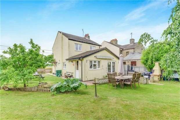 3 Bedrooms Detached House for sale in Barrington Road, Shepreth, Royston, Cambridgeshire