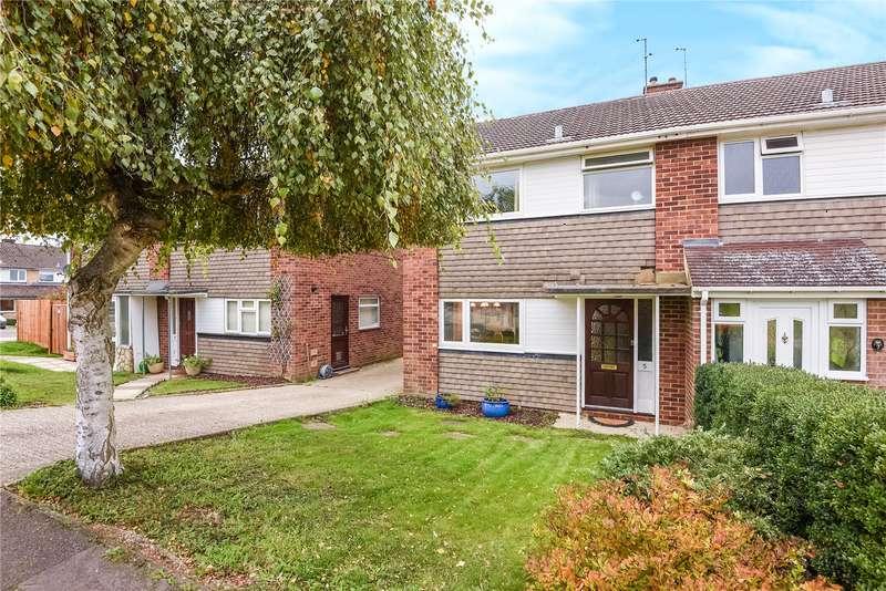 3 Bedrooms Semi Detached House for sale in Chamberlain Gardens, Arborfield Cross, Reading, Berkshire, RG2