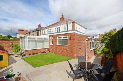 4 Bedrooms Semi Detached House for sale in Warminster Road, Sheffield, South Yorkshire