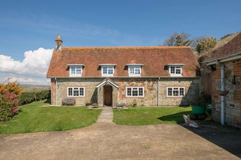 4 Bedrooms Cottage House for sale in Chale, Isle of Wight