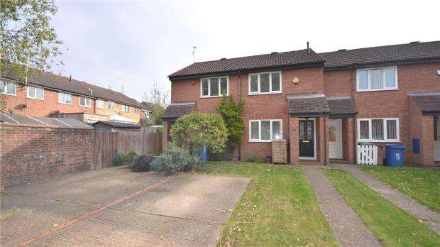 2 Bedrooms Terraced House for sale in Radnor Road, Bracknell, Berkshire