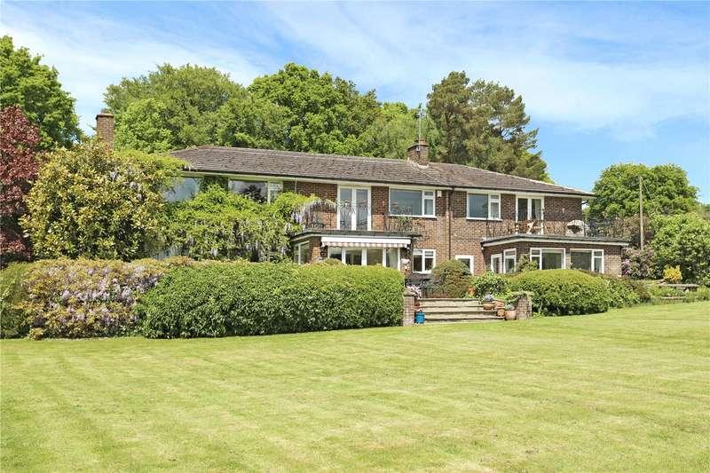 5 Bedrooms Detached House for sale in Springfield Lane, Colgate, Horsham, West Sussex, RH12
