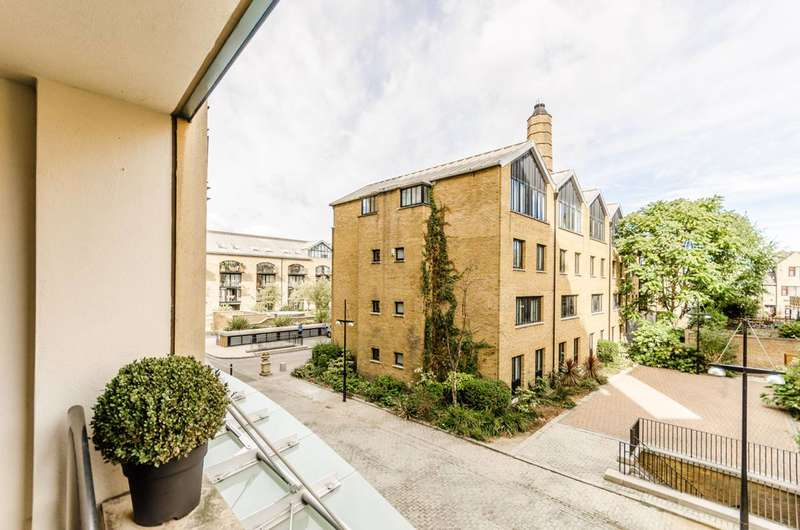Studio Flat for sale in Chart House, Isle Of Dogs, E14
