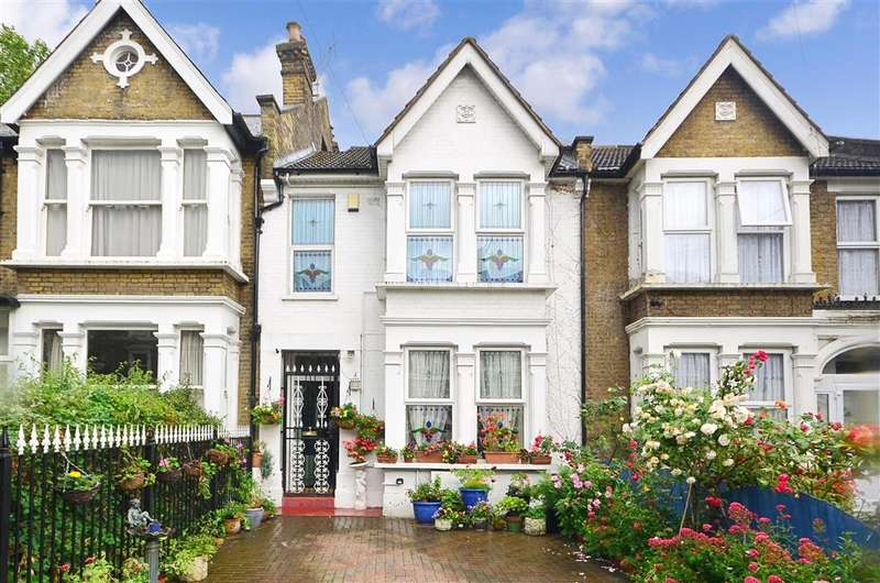 3 Bedrooms Terraced House for sale in Vicarage Road, Leyton
