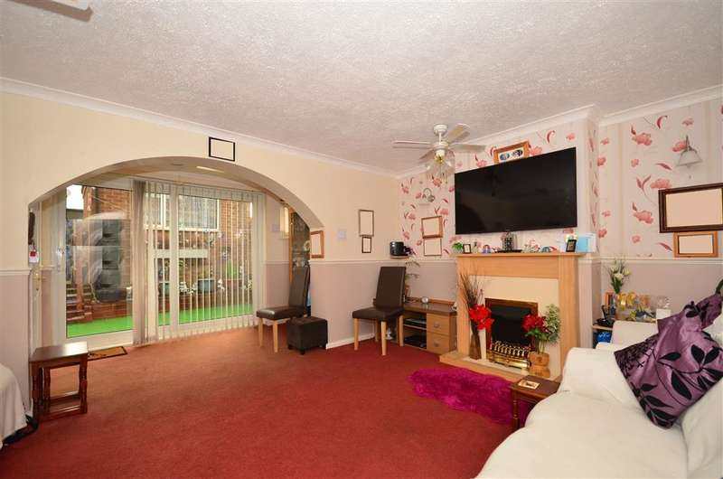3 Bedrooms Terraced House for sale in Watsons Hill, Sittingbourne, Kent