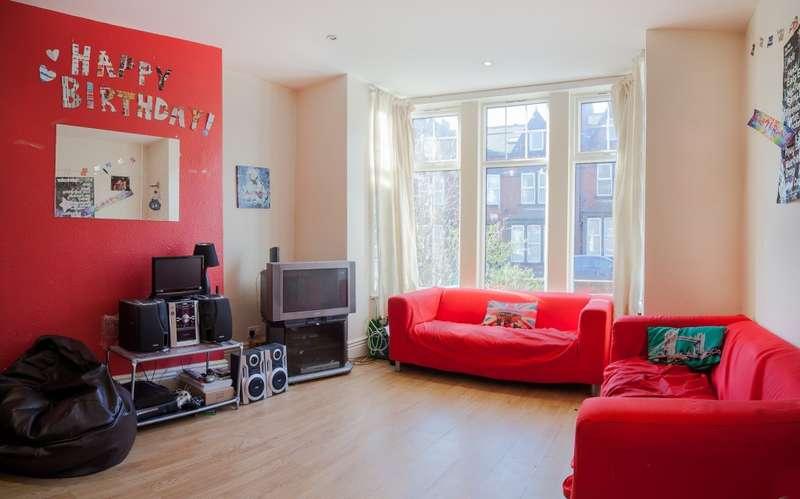 9 Bedrooms Terraced House for rent in Estcourt Terrace, Headingley, LS6
