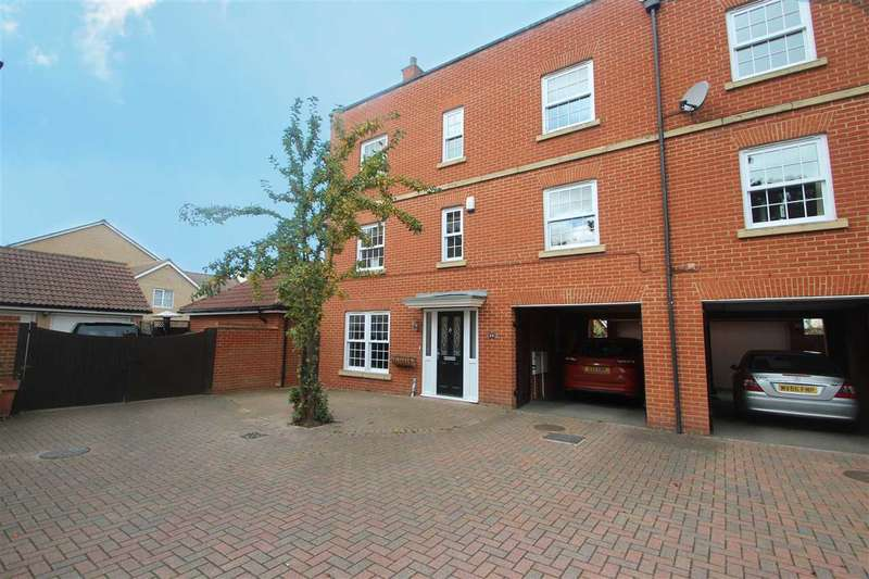 4 Bedrooms Town House for sale in Septimus Drive, Myland, Colchester