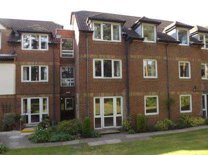 1 Bedroom Retirement Property for sale in 18 Queens Park West Drive, Bournemouth, Dorset