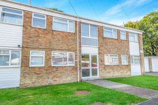 2 Bedrooms Flat for sale in Sedley Close, Parkwood, Rainham, Kent
