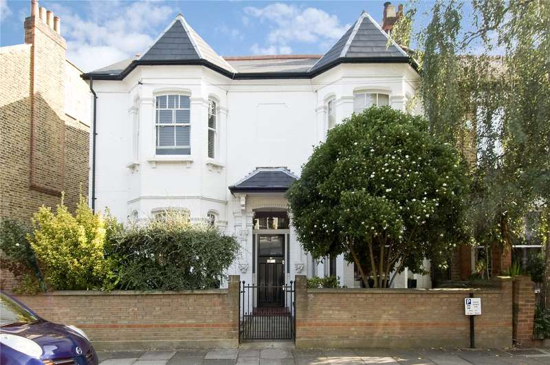 2 Bedrooms Ground Flat for sale in Cleveland Gardens, London, SW13