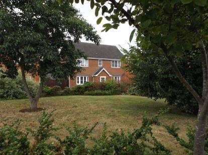 4 Bedrooms Detached House for sale in Colchester, Essex