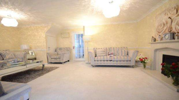 3 Bedrooms Detached House for sale in Hampden Road, Maidenhead, Berkshire
