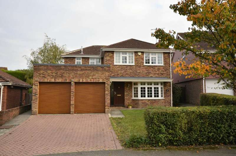 4 Bedrooms Detached House for sale in Marlowe Close, Billericay