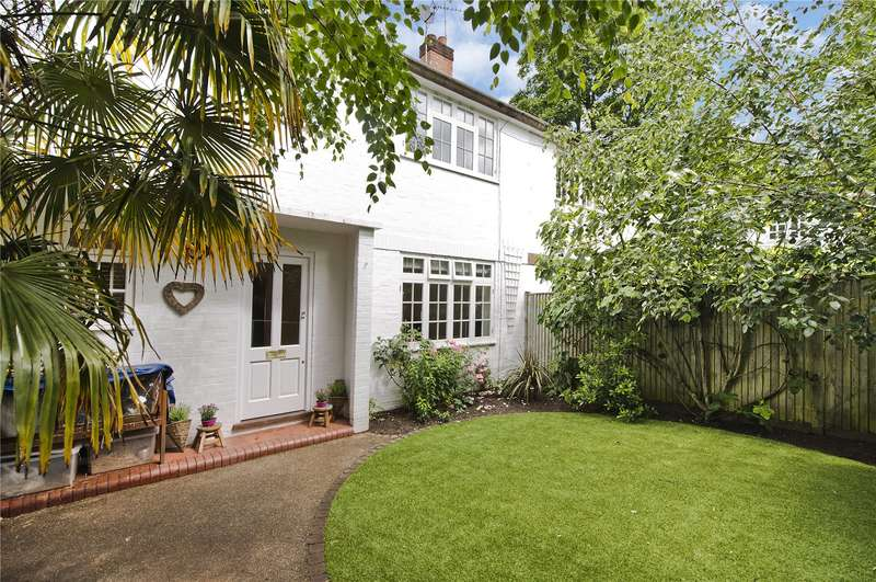 3 Bedrooms House for sale in Sandpits Road, Richmond, TW10