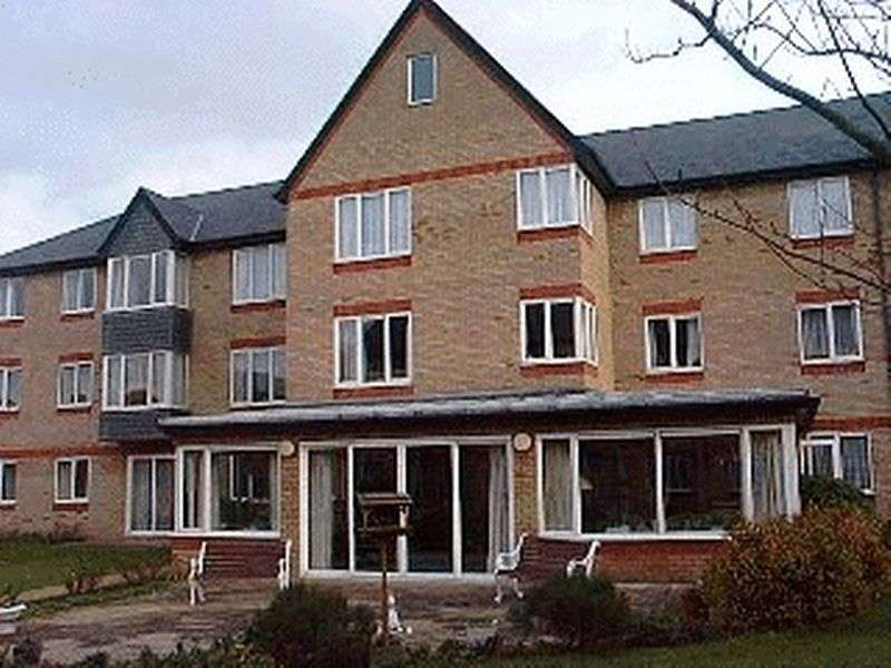 1 Bedroom Retirement Property for sale in Old Market Court, St. Neots, PE19 1DJ