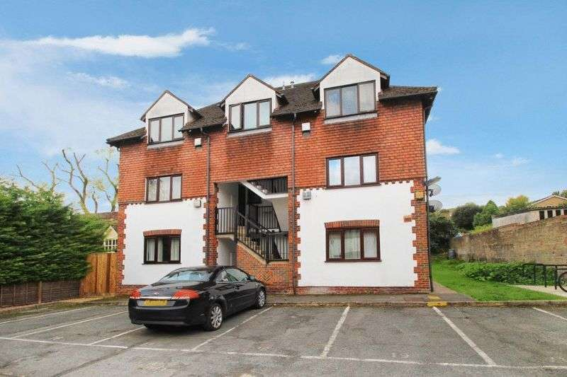 1 Bedroom Flat for sale in High Wycombe
