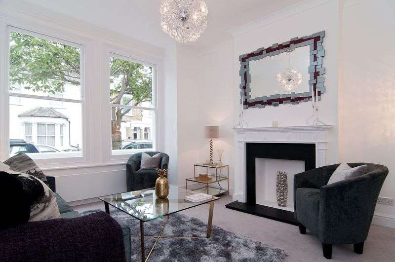 3 Bedrooms Terraced House for sale in Biscay Road, Hammersmith