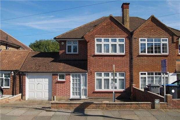 3 Bedrooms Semi Detached House for sale in Shaftesbury Avenue, Kenton, HARROW, HA3 0RF