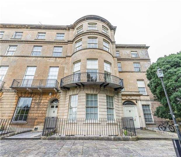 2 Bedrooms Flat for sale in Sion Hill Place, BATH, Somerset, BA1